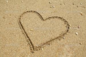depositphotos_1259082-Sand-heart